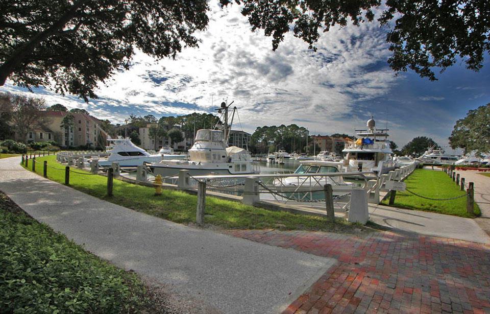 Yacht basin