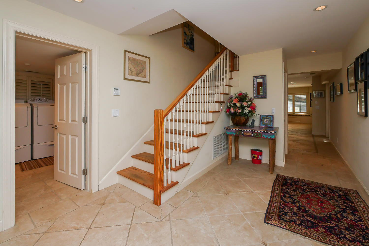 Foyer and stairway | Royal Estate plus Cottage