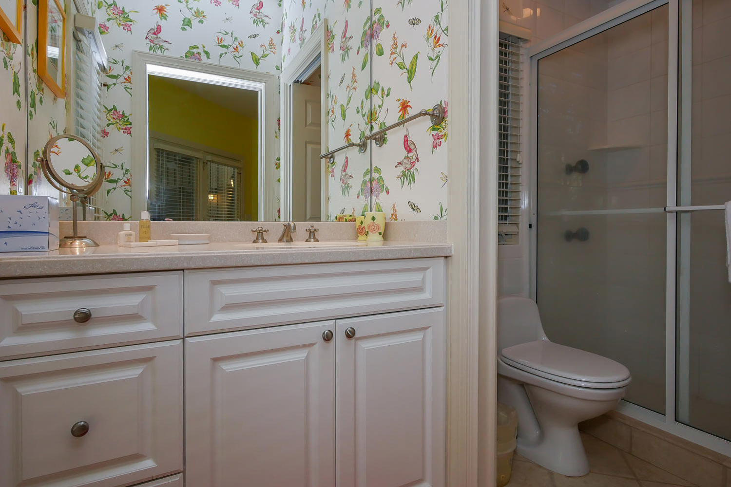 Bath for queen BR two - guest house | Royal Estate plus Cottage