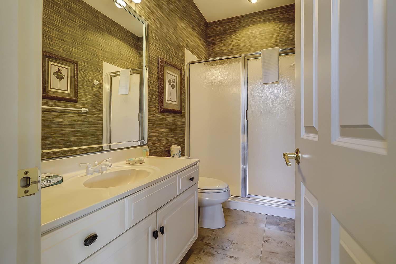 Twin Bathroom- First Level | Sea Dream