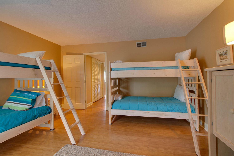 Bunk Room Bedroom