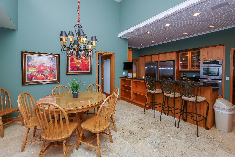 Dinette area in kitchen
