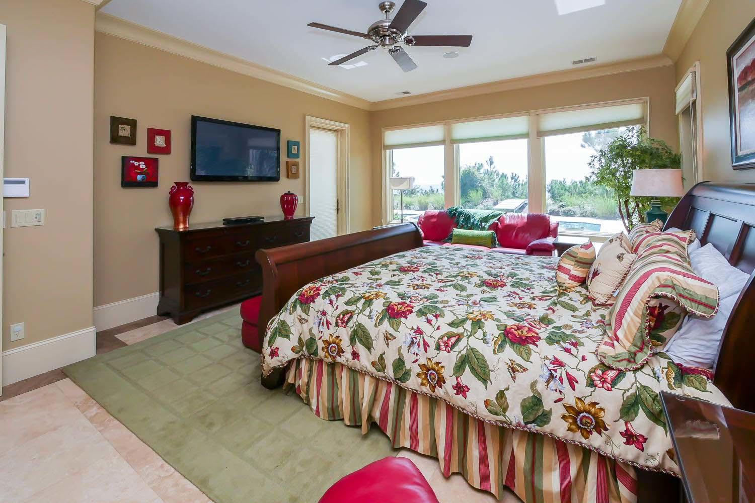 Master Bedroom- 1st Floor