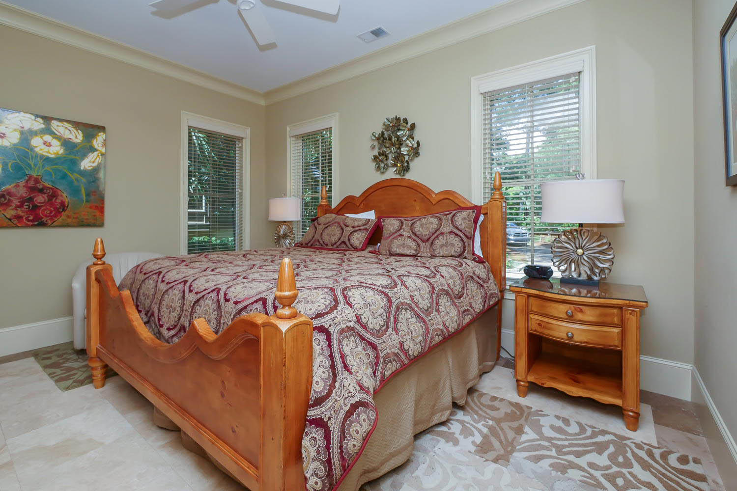 King Bedroom- 1st Floor