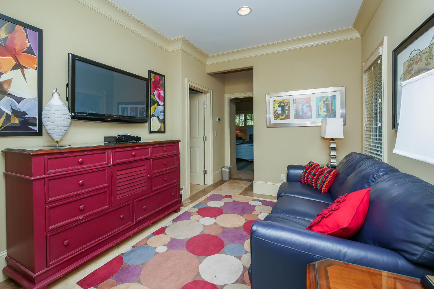 TV area- Mid Level