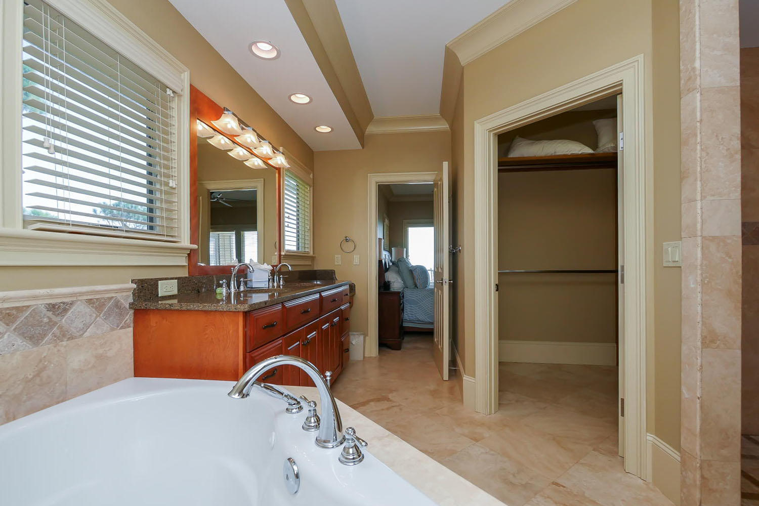 King Bathroom- 2nd Floor oceanfront