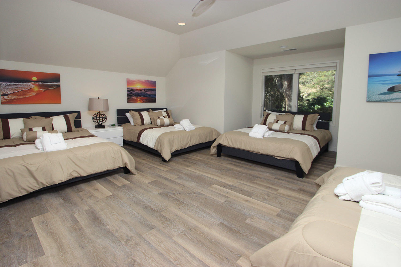 Dormitory room - mid-level