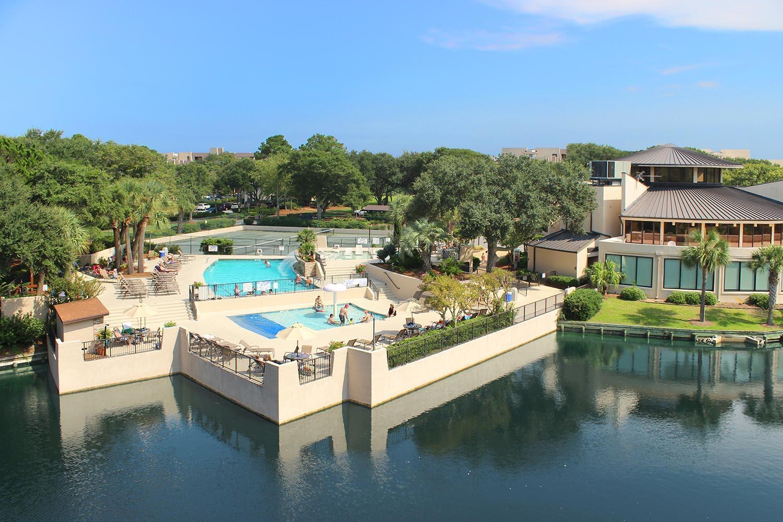 Island Club pool complex and rotunda