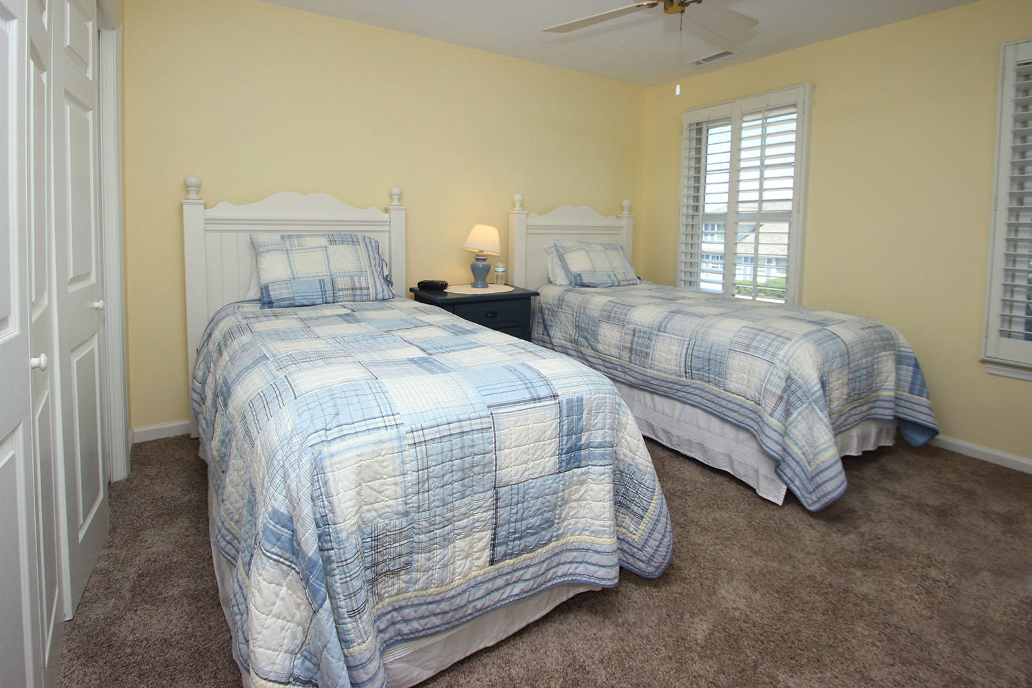 Twin bedroom - 2nd level