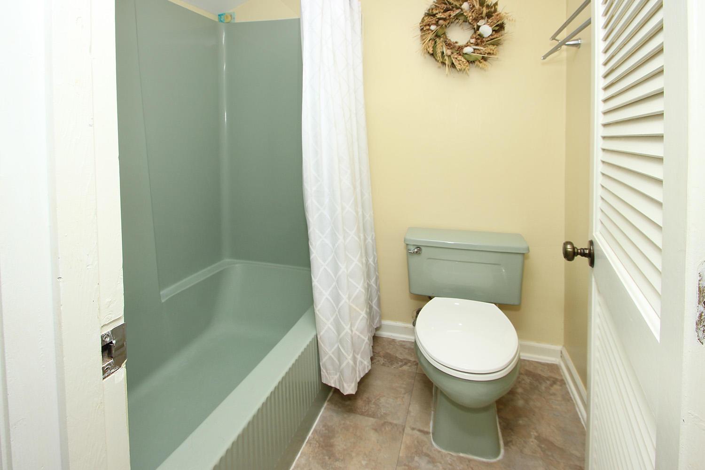 Bath for queen bedroom