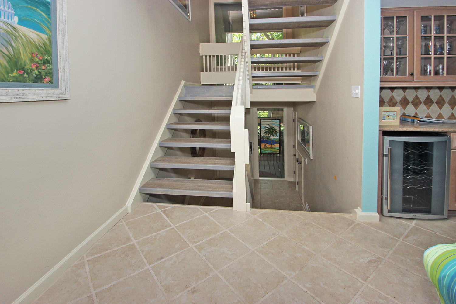 Stairway from entrance to main living area
