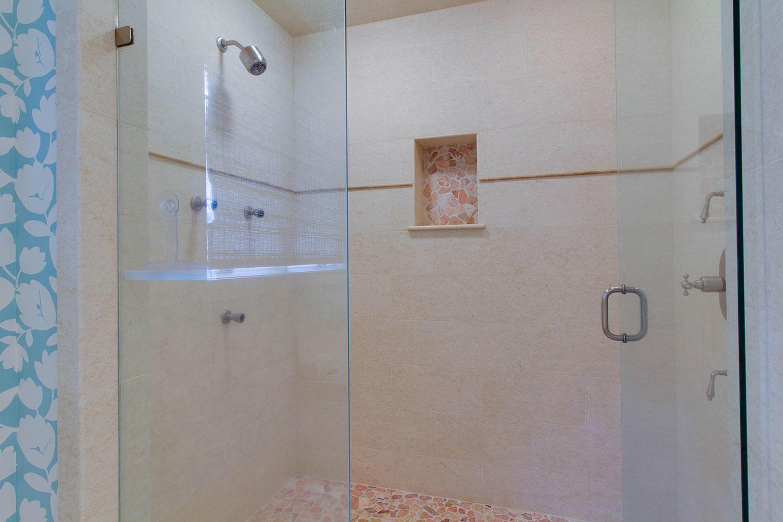 Master Bathroom | Surf Scoter