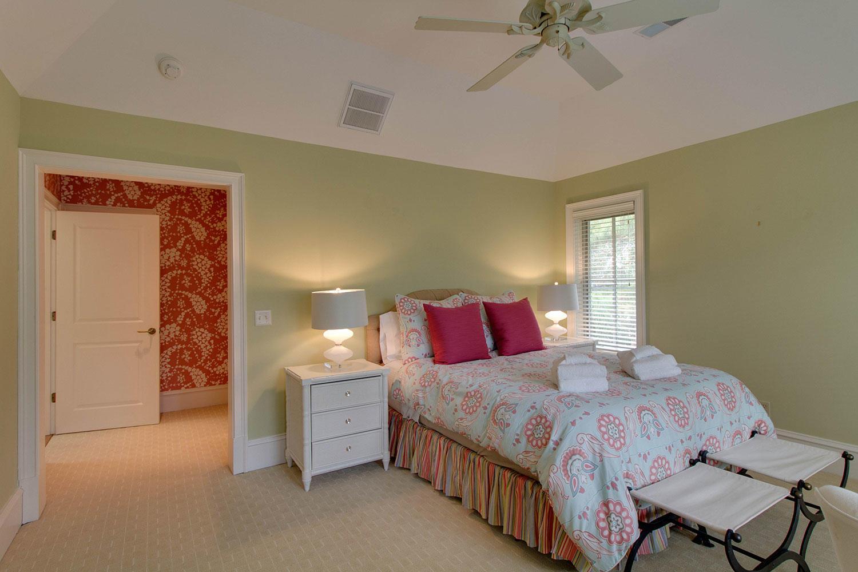 Queen Bedroom | Surf Scoter