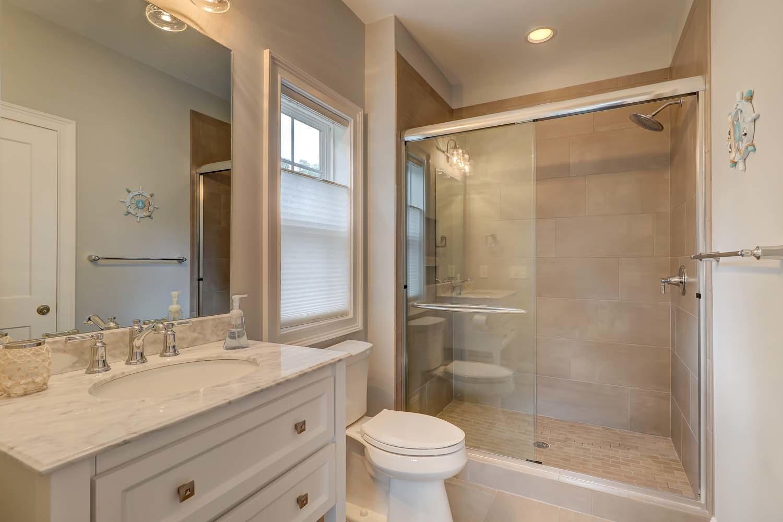 Guest King Bathroom | Atlantic Dream