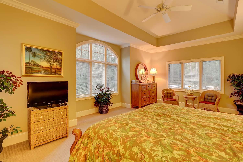 King Bedroom Mid Level | Beachside