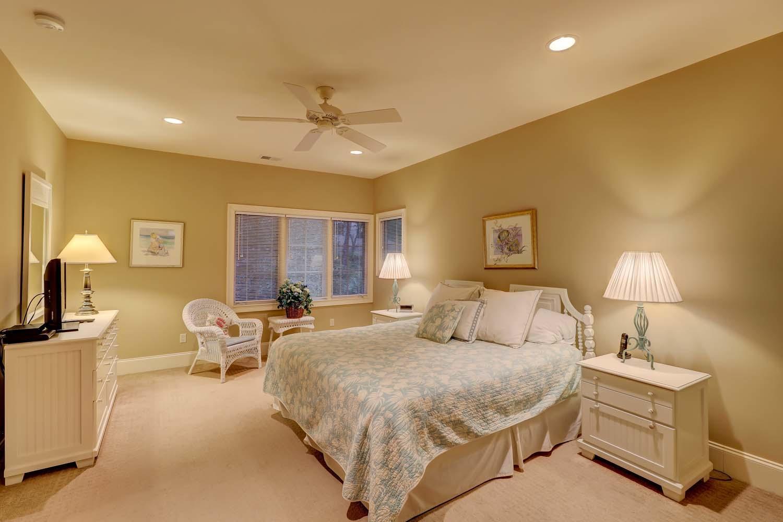 King Bedroom Top Floor | Beachside