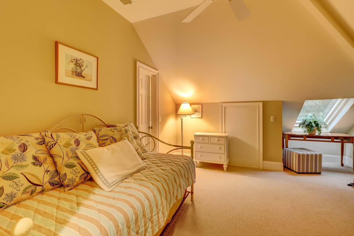 Den Area with Trundle | Beachside