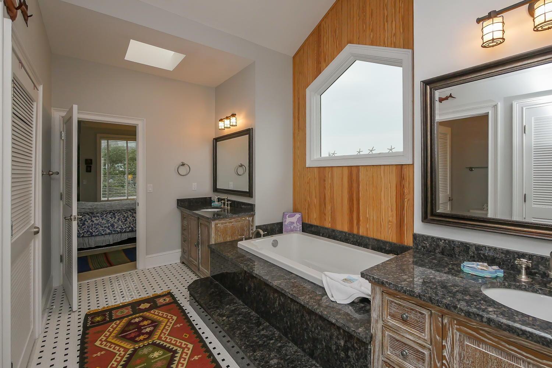 Master bath - 2nd floor | Atlantic Breeze