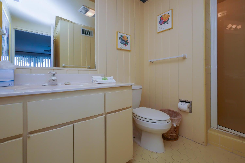 King bath three - 1st level | Beach House