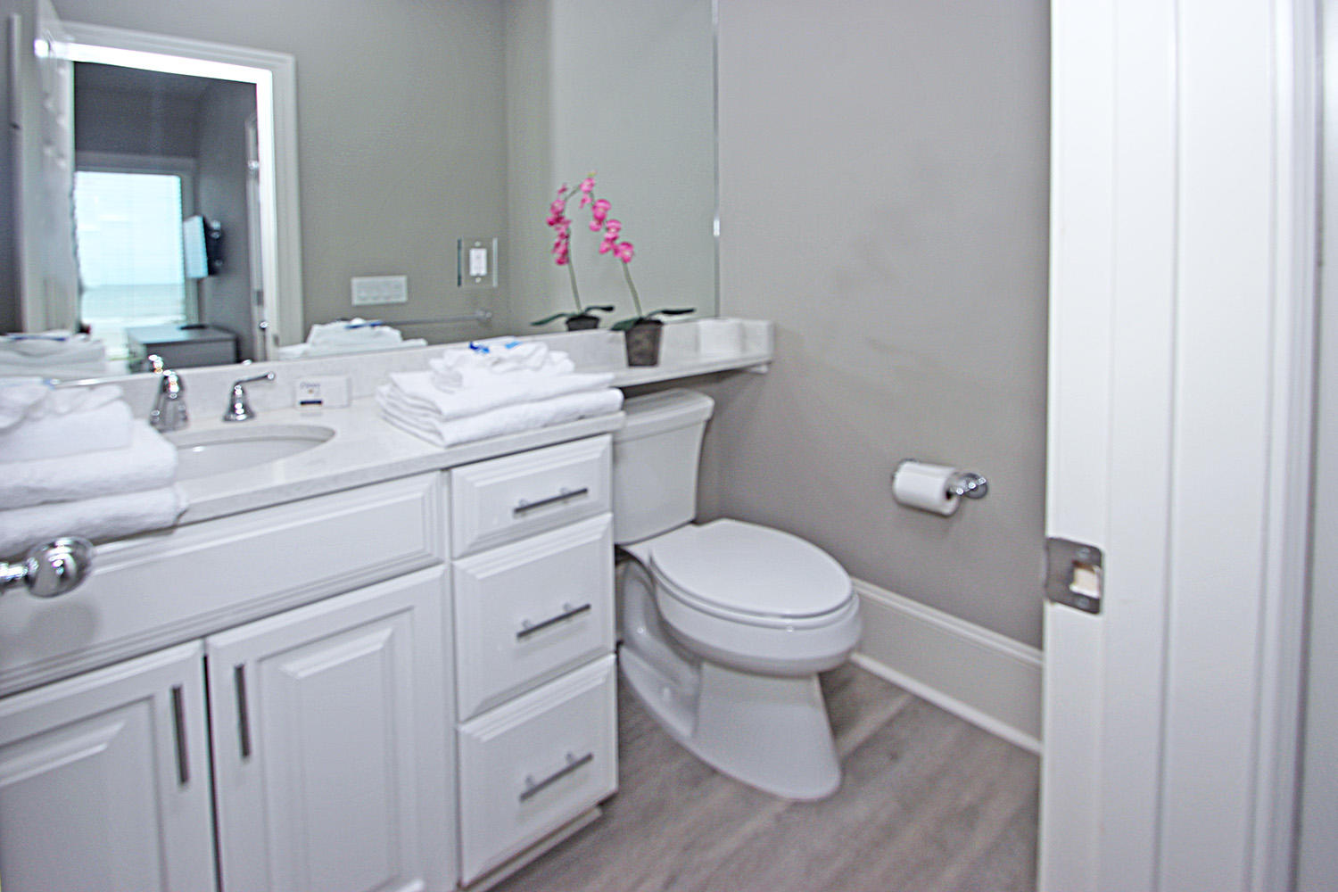 King Bathroom- Level Two | Beachcomber