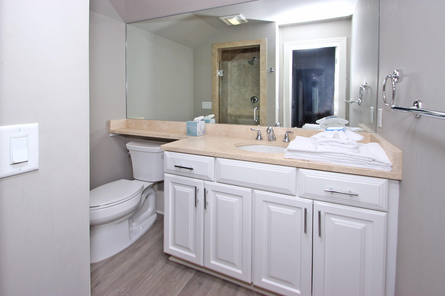 Bathroom off Living Area- Level Two | Beachcomber