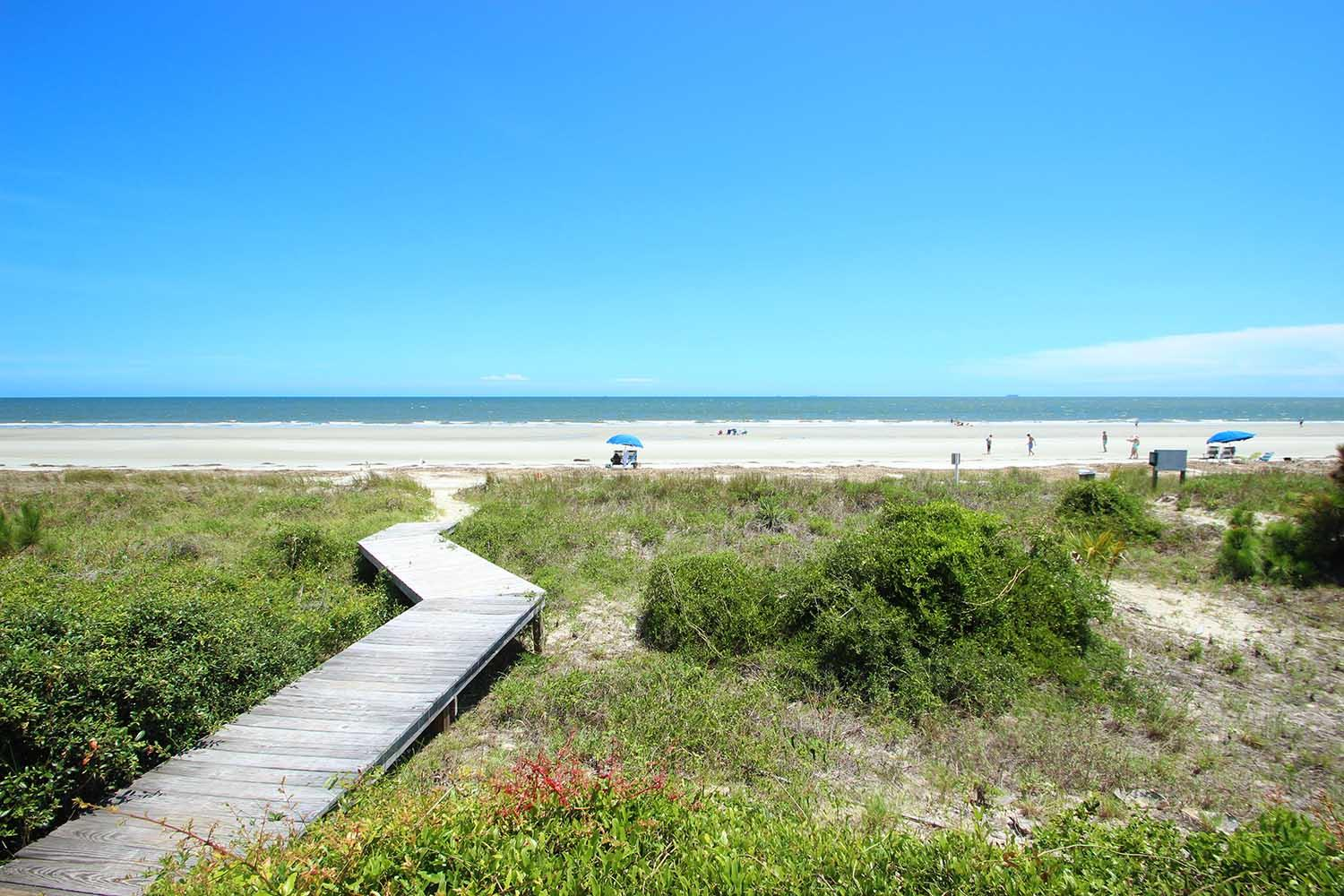 Boardwalk to beach | Beachcomber