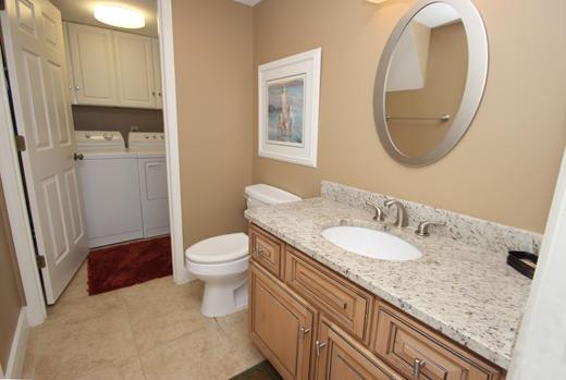 Powder room - utility room