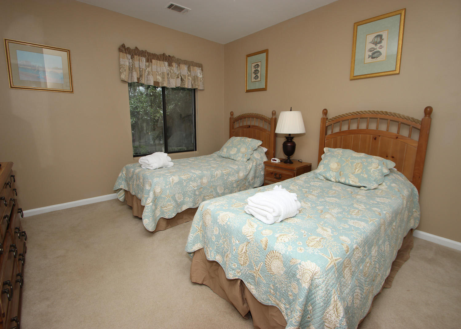 Guest BR with twin beds