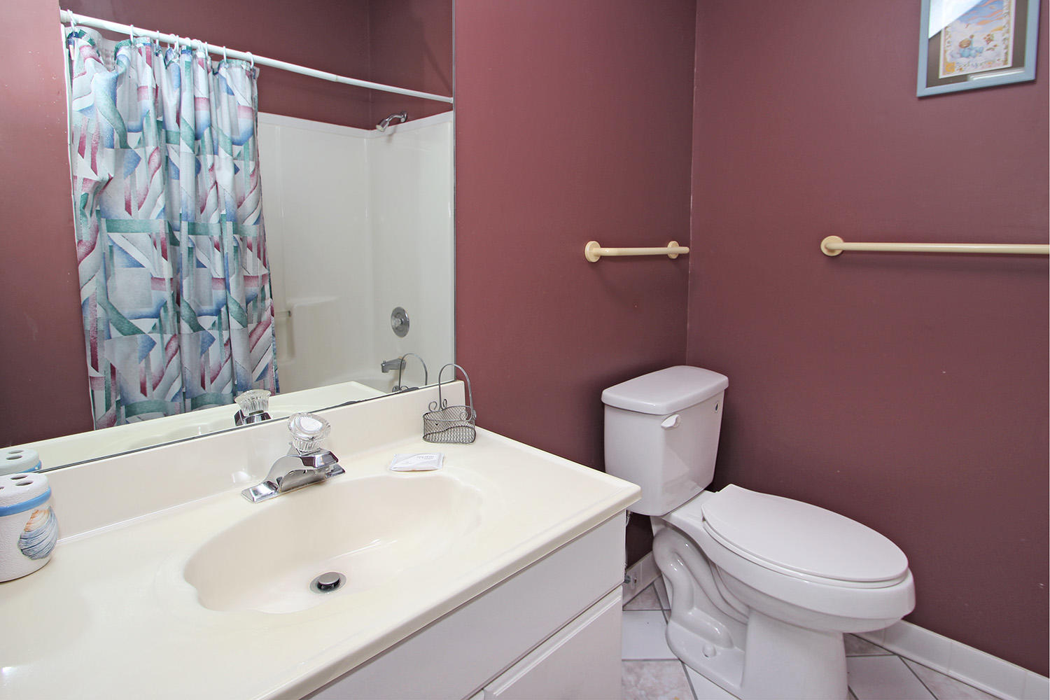 Bath for twin bedroom - 2nd level