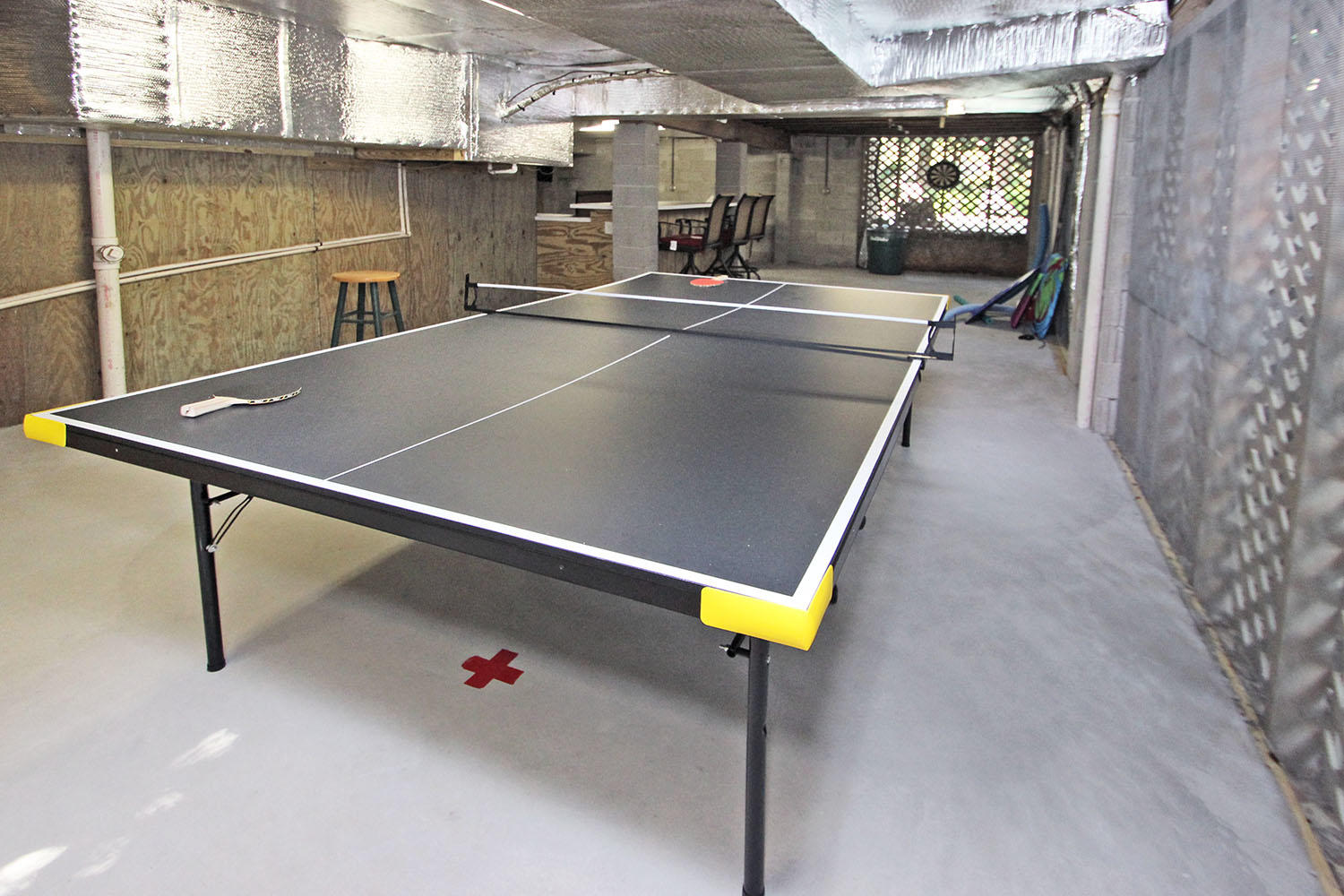 Ping pong - ground level