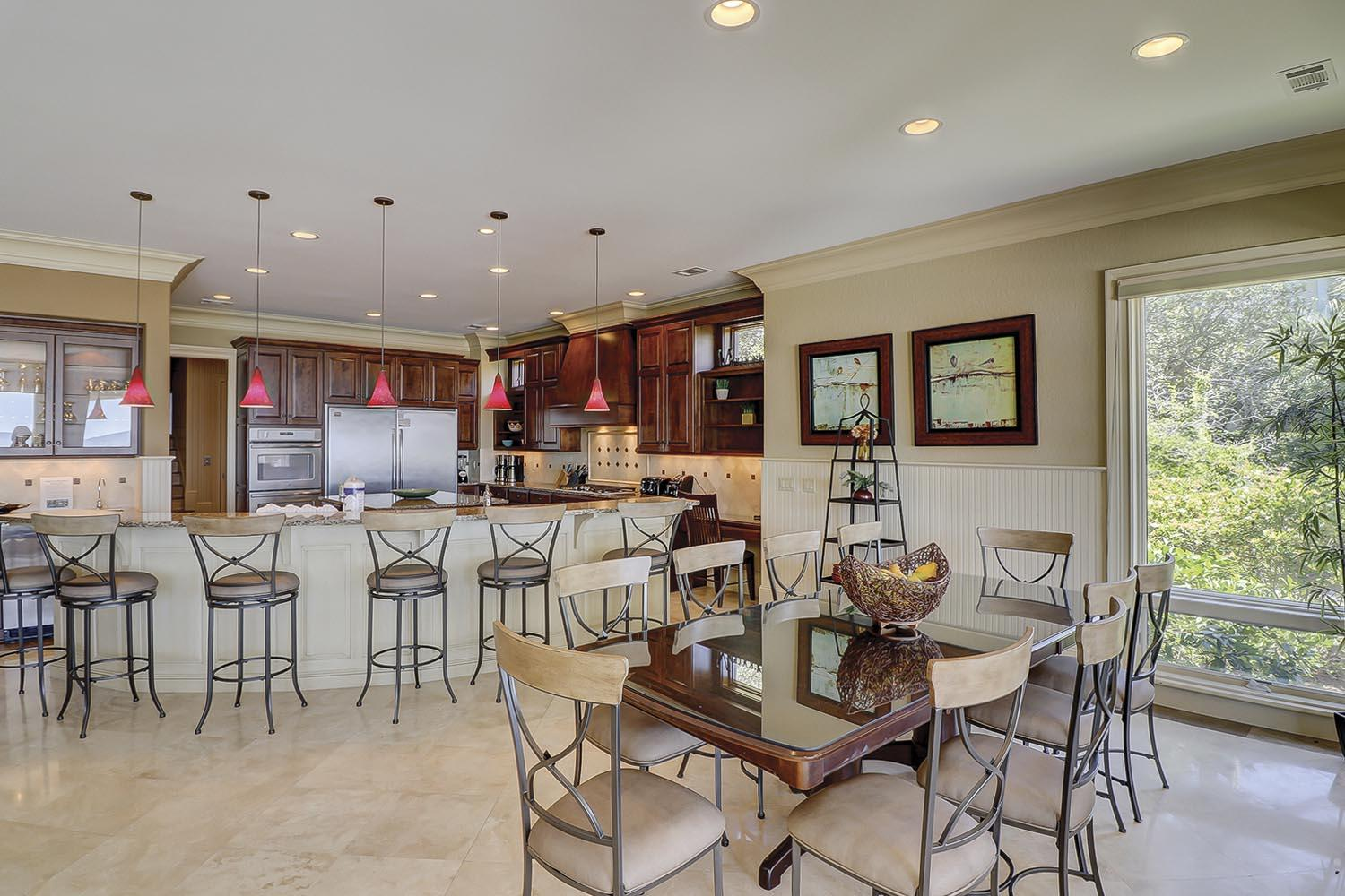 Dining Area and Kitchen Bar | Endless Summer