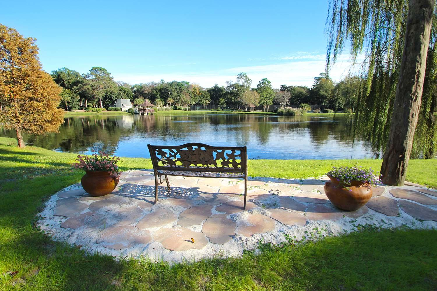 Sitting area by lake