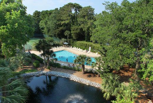 Pool - lagoon - tennis courts