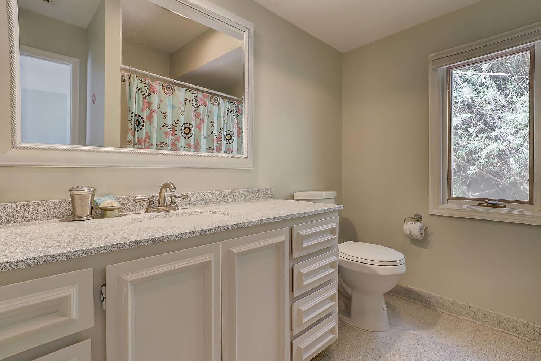 Double/Twin Guest Bathroom