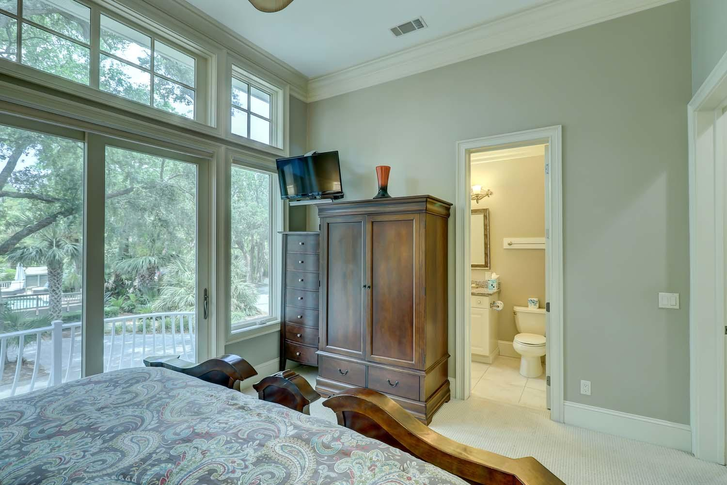 King Bedroom- Level One | Hot Tin Roof