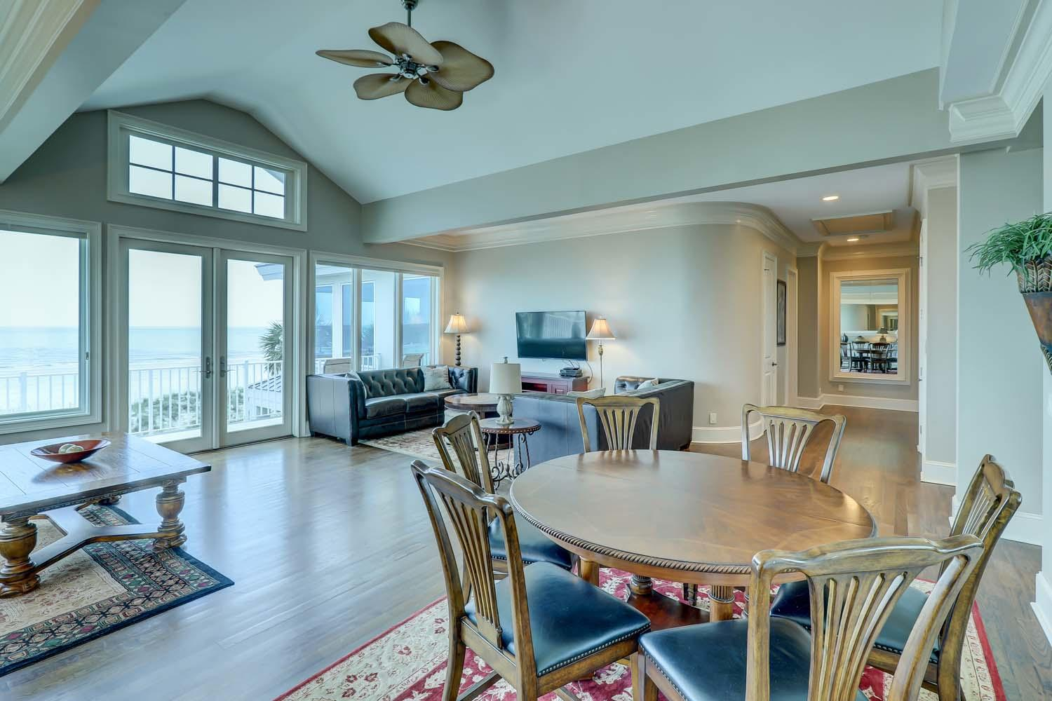Living Area- Second Floor | Hot Tin Roof