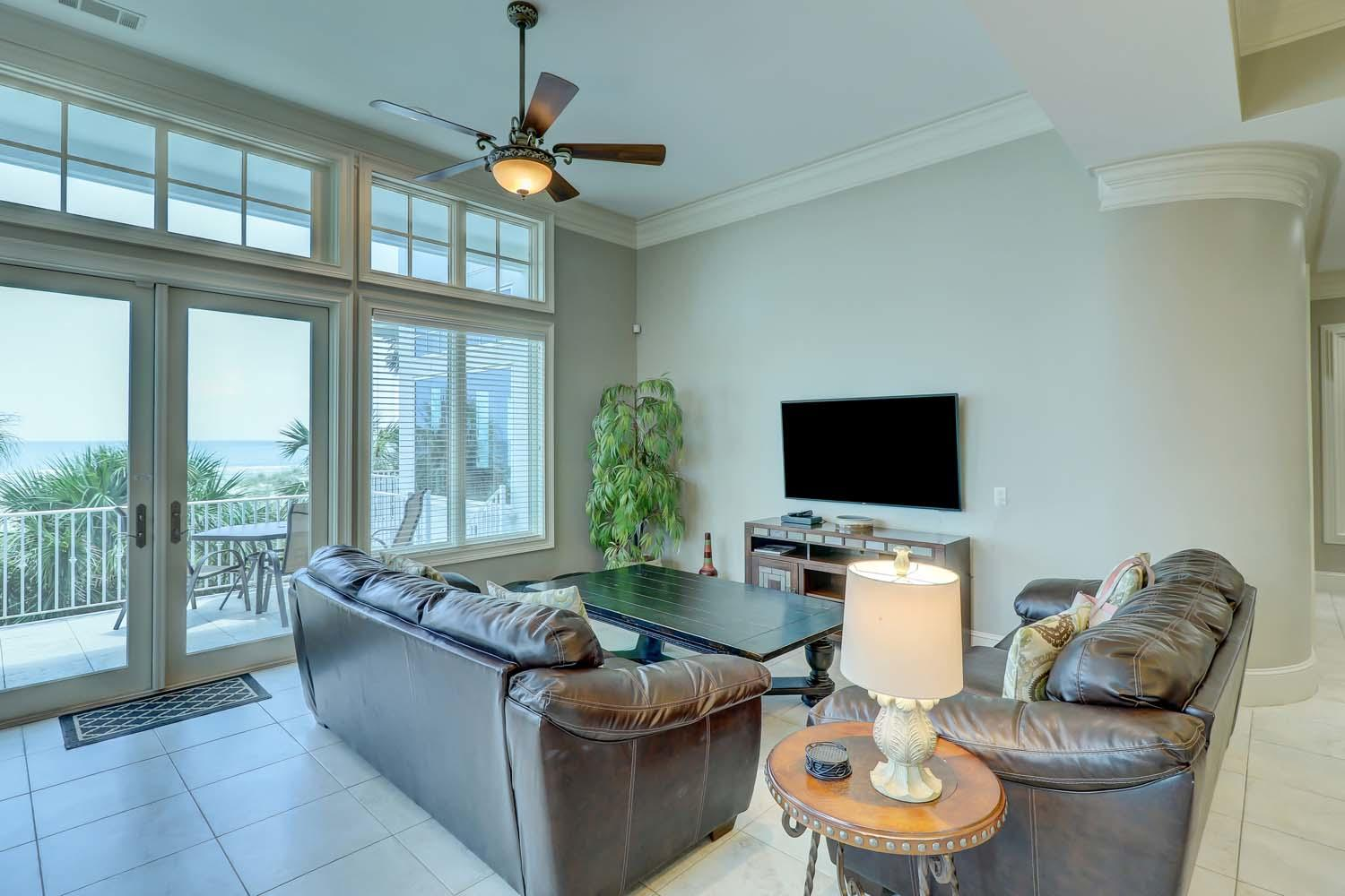 Living Area | Hot Tin Roof