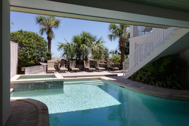 Pool   Hot Tin Roof