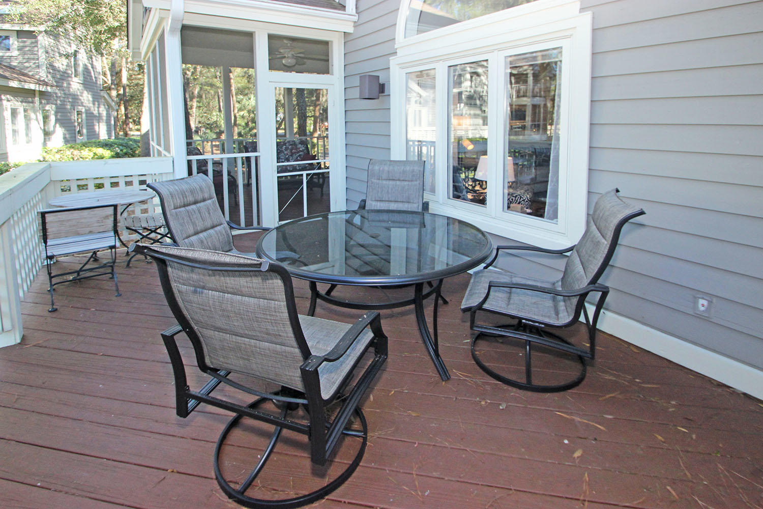 Back deck with table and chairs