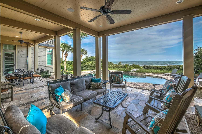 Outdoor covered porch | Ocean Jewel