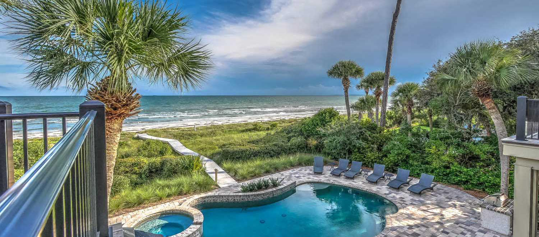Pool and ocean view from upper deck | Ocean Jewel