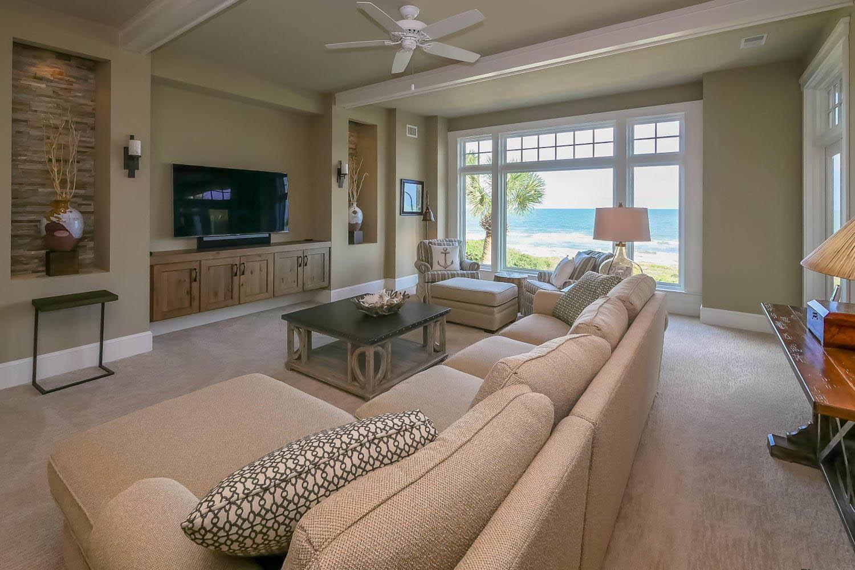 Media and living area - upper level | Ocean Jewel