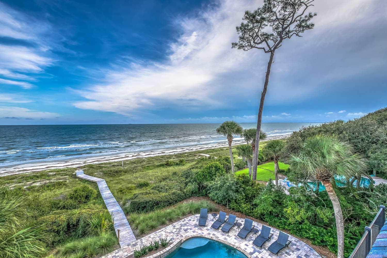 View from upper level deck | Ocean Jewel