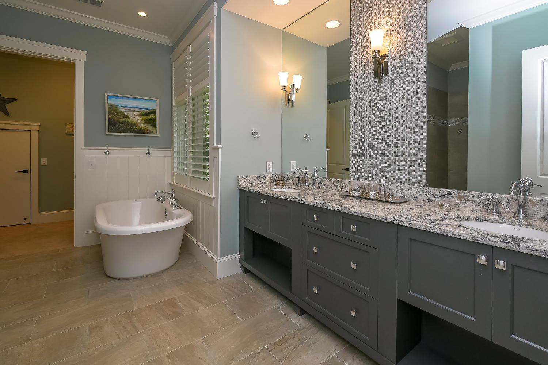 Master bath - upper level | Ocean Jewel