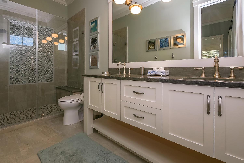 Bath for king guest BR - upper level oceanfront | Ocean Jewel