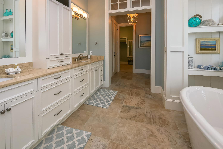Bath for king BR - 1st level oceanfront | Ocean Jewel