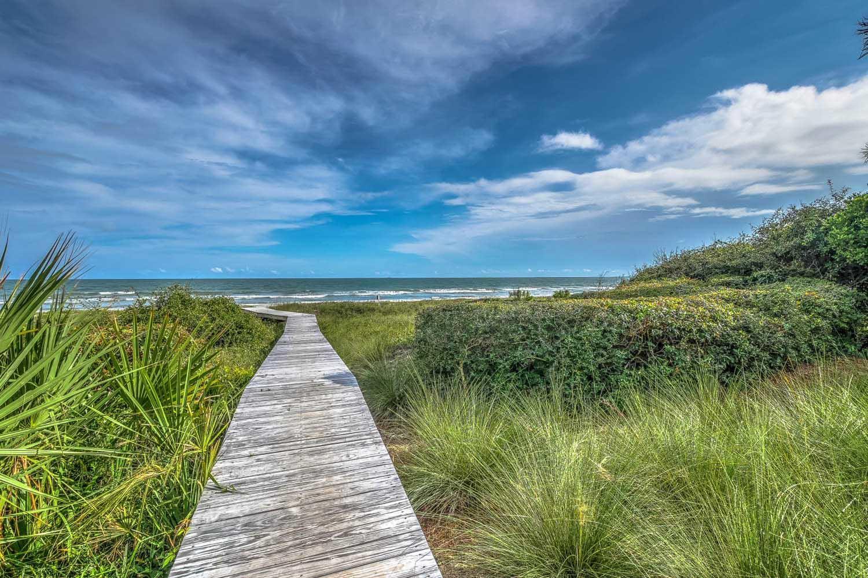 Walkway to beach | Ocean Jewel