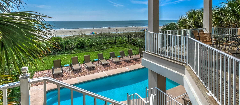 Pool and ocean view | Ocean Pointe