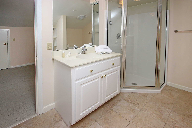 Bath in bonus room