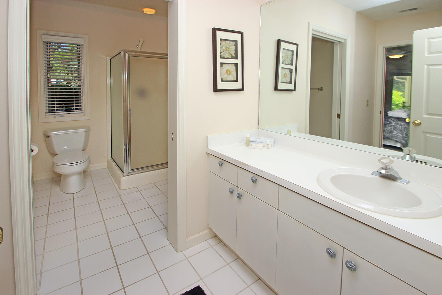 Shared bath for queen bedrooms two and three